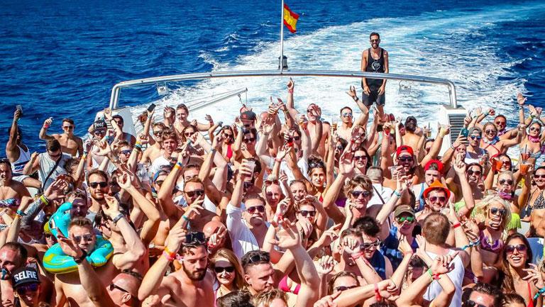 fiesta barco malaga